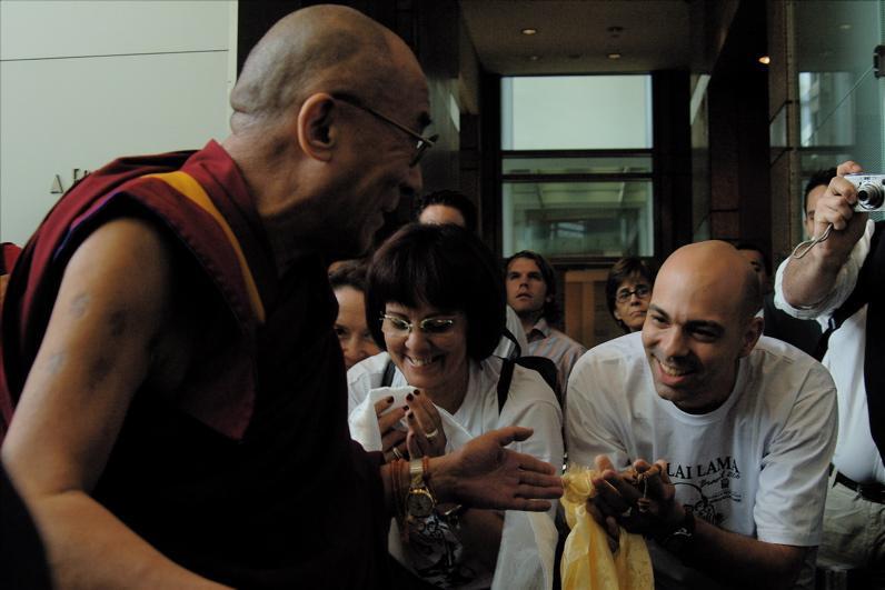 Vitor em um dos seus encontros com o Dalai Lama, importantes transmissões.